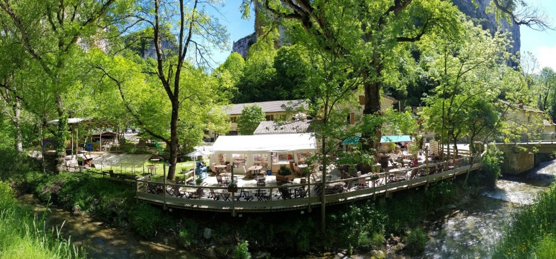 Hôtel-restaurant en pleine nature pour week-end entre amis avec les enfants
